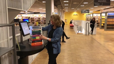 Miniatyr för inlägg Mannequin Challenge at the University Library